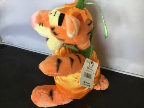 "Disney Store 7"" Tigger Halloween Pumpkin Plush NWT K03 image 3"