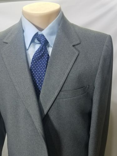 VINTAGE THE CLASSIC COLLECTION MENS GRAY 2 BUTTONS POLYESTER BLAZER 1 VENT 42XT