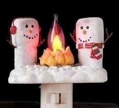 "4.5"" White Marshmallow Snowmen at a Campfire Festive Christmas Night Light - $39.95"