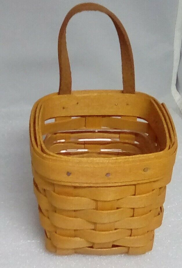 1997 Longaberger WB Chives Booking Basket with protector - $17.64