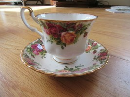 CL/ROYAL Albert Old Country Roses Tea Cup + Saucer! - $39.55