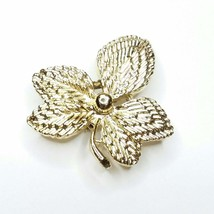 Gerrys gold leaf brooch F13 - $22.23