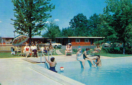 Vintage Dunn's Motel Swimming Pool Postcard Enfield Connecticut US Route... - $2.50