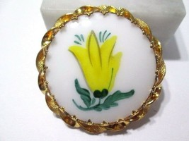 PIN PAINTED YELLOW TULIP FANCY SETTING VINTAGE YELLOW GREEN - $9.00