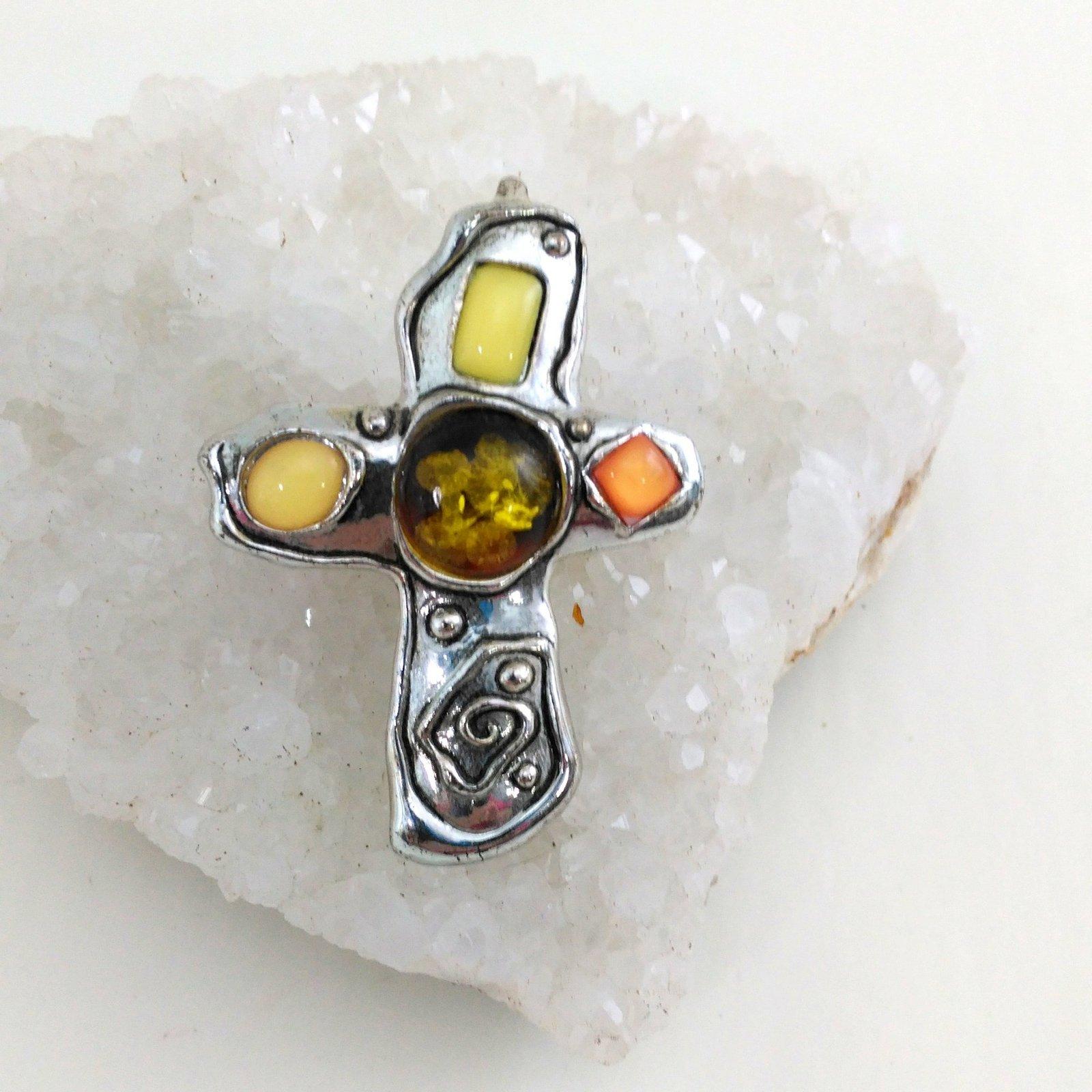 D2 11 faux amber cross  1