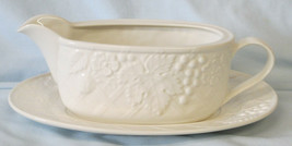Mikasa White English Countryside Gravy or Sauce Boat with Plate - $36.52