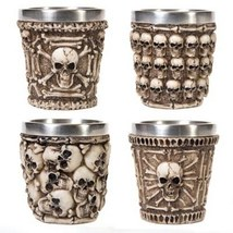 Skull shot glass 1 thumb200