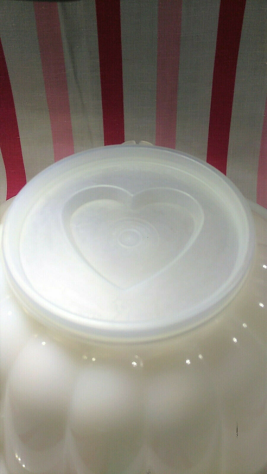 FUN Vintage Tupperware Jel-N-Serve Mold With White Tray and Heart Design Top image 5