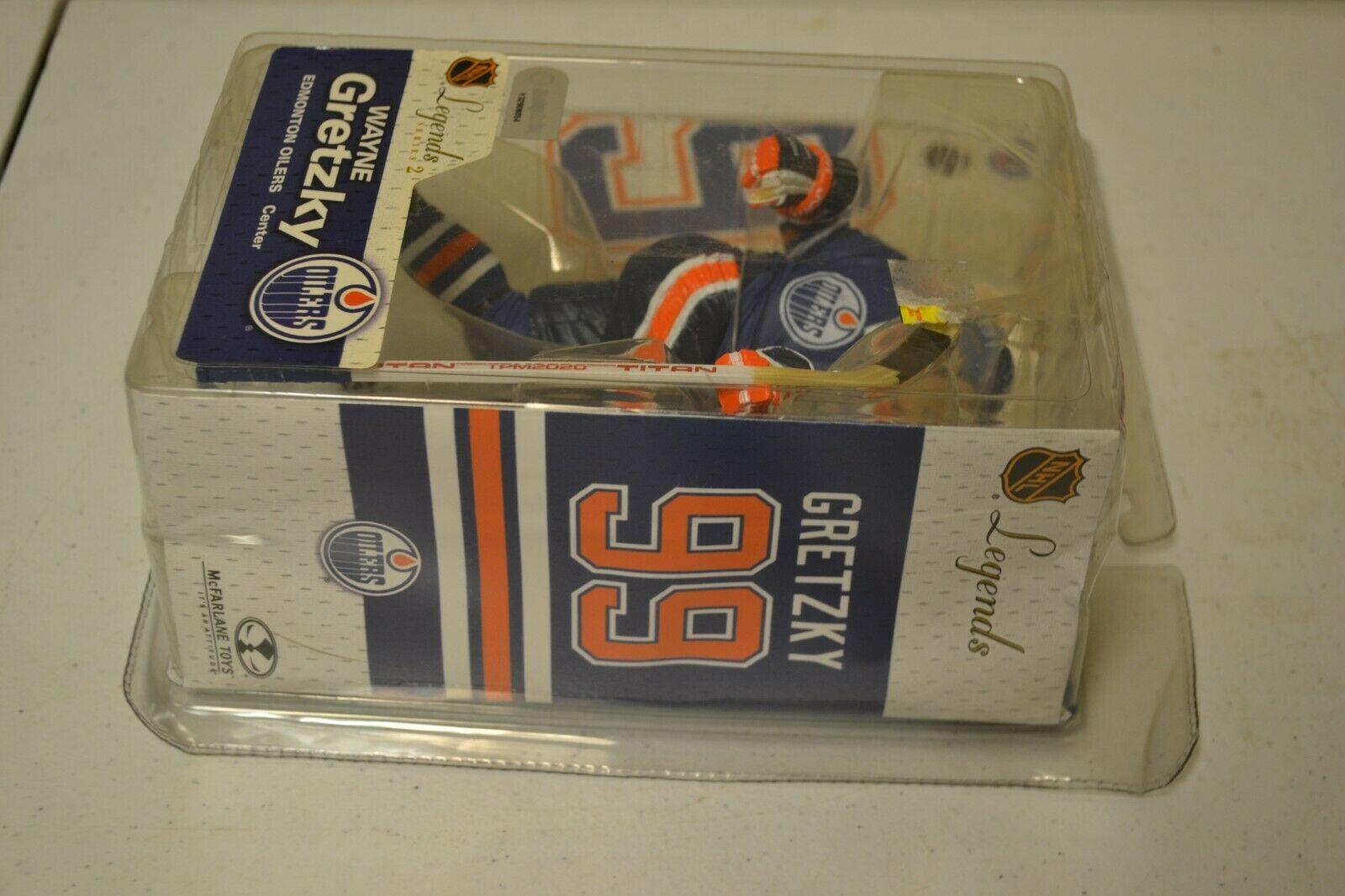 2005 McFarlane NHL Legends Series 2 Wayne Gretzky #99 Edmonton Oilers Figure image 3