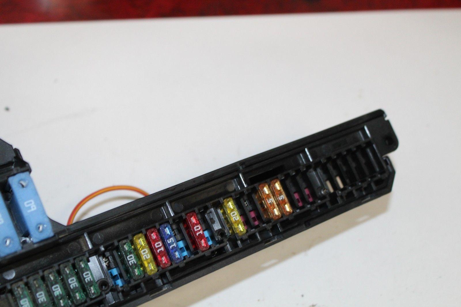 2005 2007 Bmw 530i 545i 525i Interior Fuse And Similar Items Box R3532