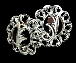 FANCY FREE FLOWER Clip On Earrings Vintage Silvertone Round Sarah Coventry - $14.99