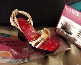 Just The Right Shoe - Smart Cookie - 25580 - Box, COA, MINT - 2006 Raine - $18.50