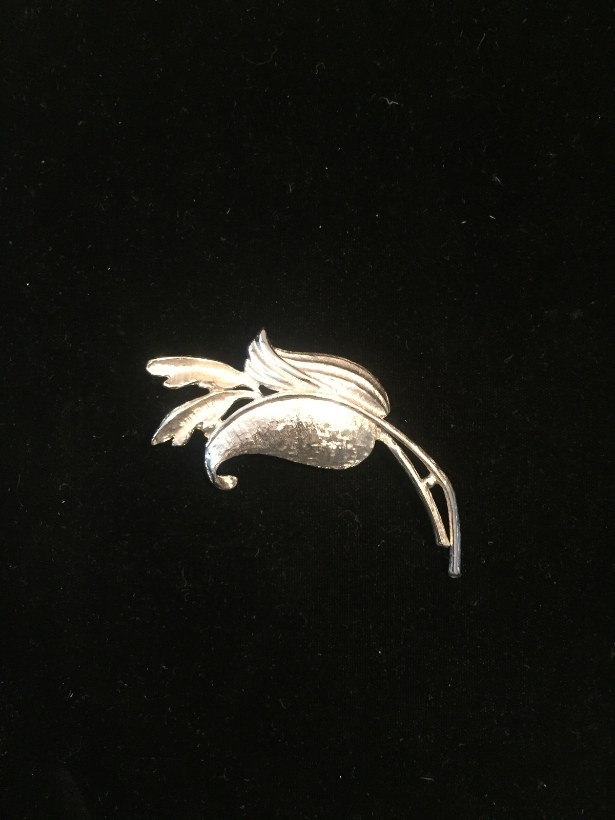 Vintage 60s large Silver Flower with long stem brooch