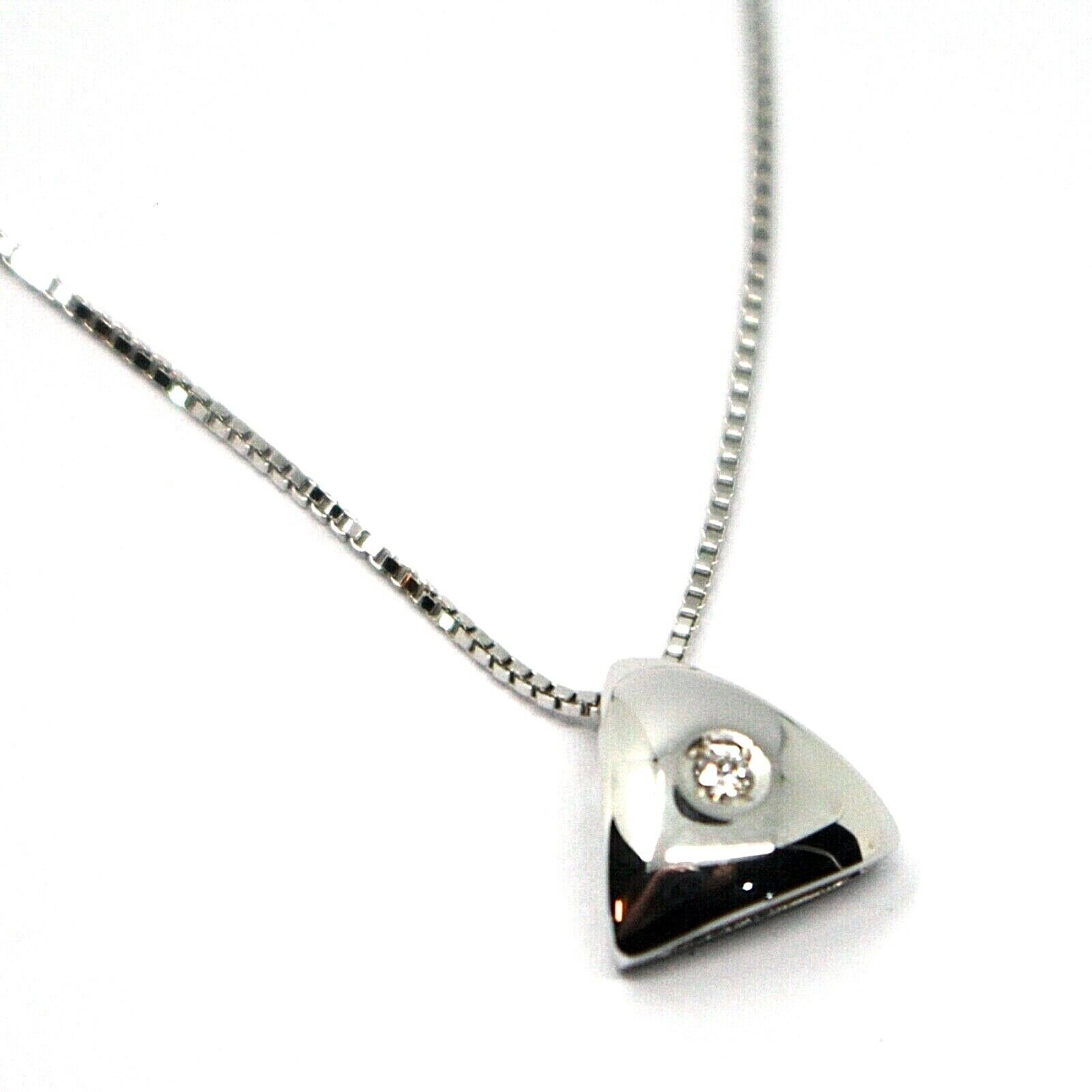 18K WHITE GOLD NECKLACE, TRIANGLE PENDANT WITH DIAMOND AND VENETIAN CHAIN