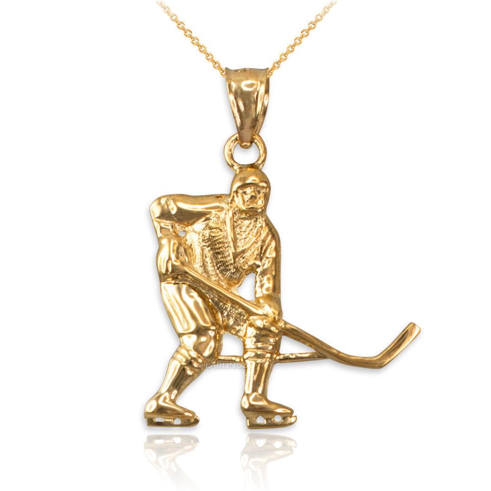 LA BLINGZ 10K Yellow Gold Sand Dollar DC Charm Necklace