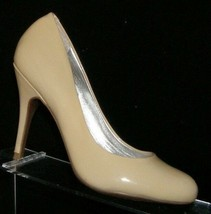 Jessica Simpson 'Oscar' nude tan patent leather round toe slip on heel 6B - $33.30
