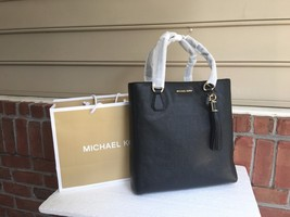 NWT Authentic Michael Kors Black Pebbled Lather Bedford Zip With Tassel ... - $155.99
