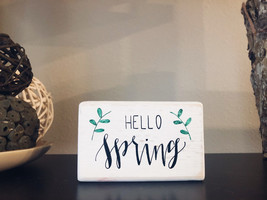 Hello Spring Sign, Hand Lettered Sign, Calligraphy Mini Wood Sign, Farmh... - $8.80