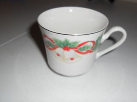 sango noel 1990 8401 cup mug set of 9 xmas Hollies Holly Berries - $16.69
