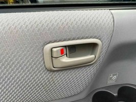 Interior Inner Door Handle Driver Left Rear 2004 05 06 07 Toyota Highlander - $32.67