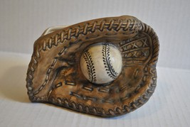 Vintage Inarco Ceramic Baseball Catcher's Mitt & Ball Planter - ₨1,011.40 INR