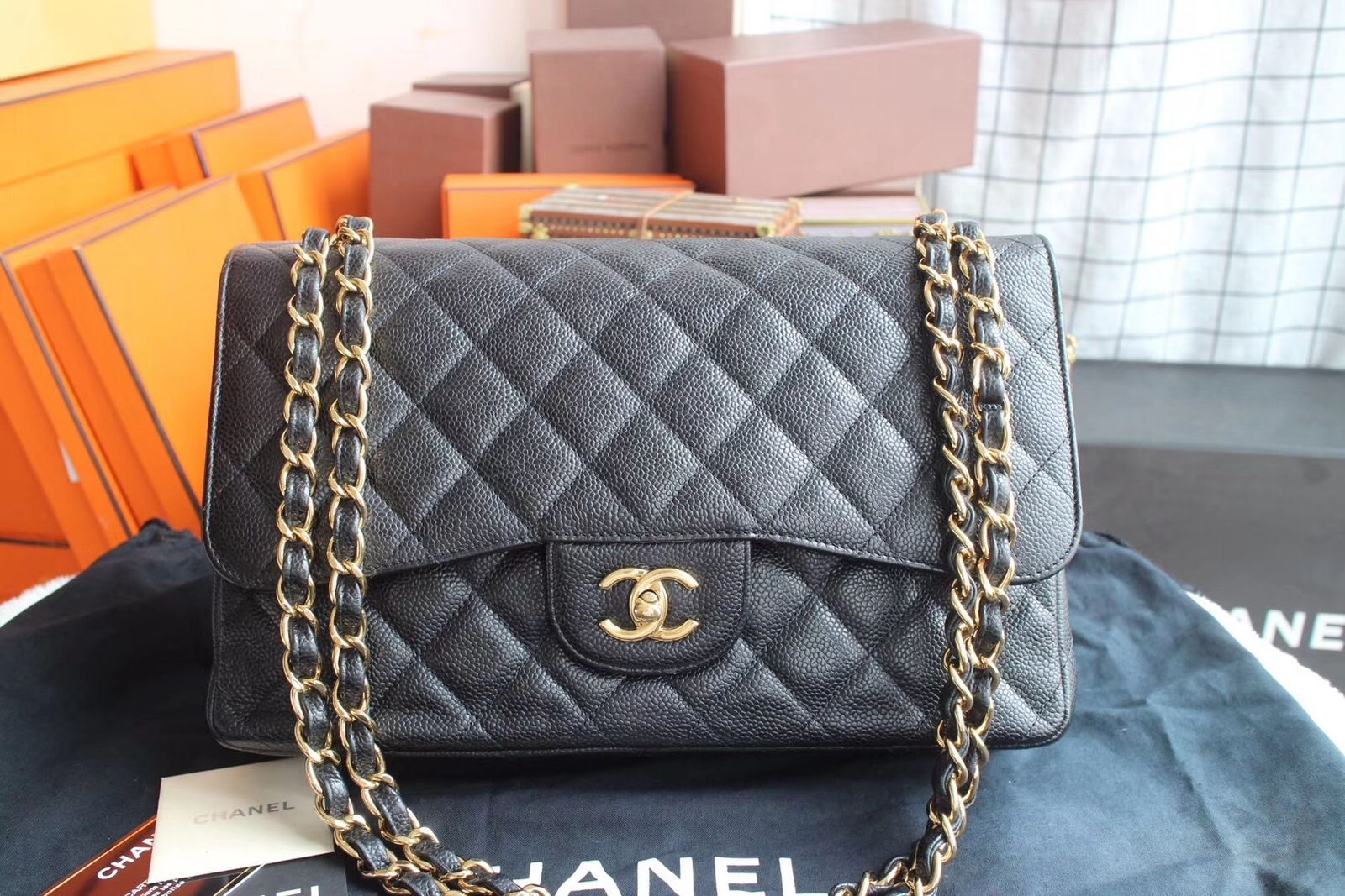 AUTHENTIC CHANEL BLACK QUILTED CAVIAR JUMBO CLASSIC DOUBLE FLAP BAG GHW