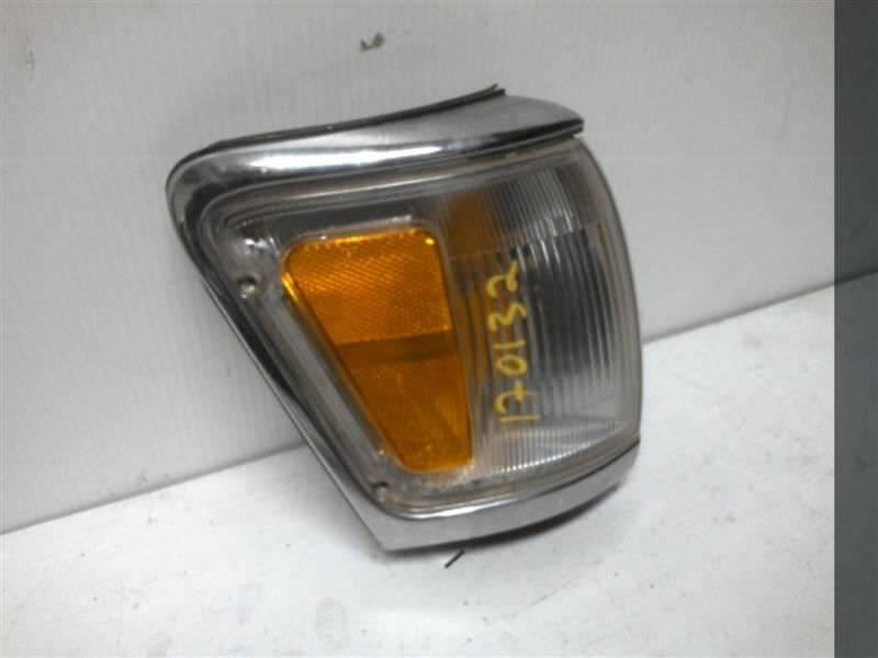 1992-1995 TOYOTA 4 RUNNER Passenger Corner/Park Lamp-turn Signal 405052