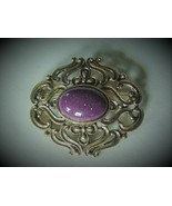 VINTAGE GOLD TONE OPENWORK DAUPLAISE PIN BROOCH LARGE SPECKLED PURPLE CA... - $35.00