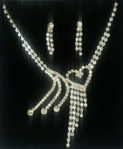 Elegante y Bollywood Bañado en plata Diamantes Sorprendentes Collar Corazón - $8.02