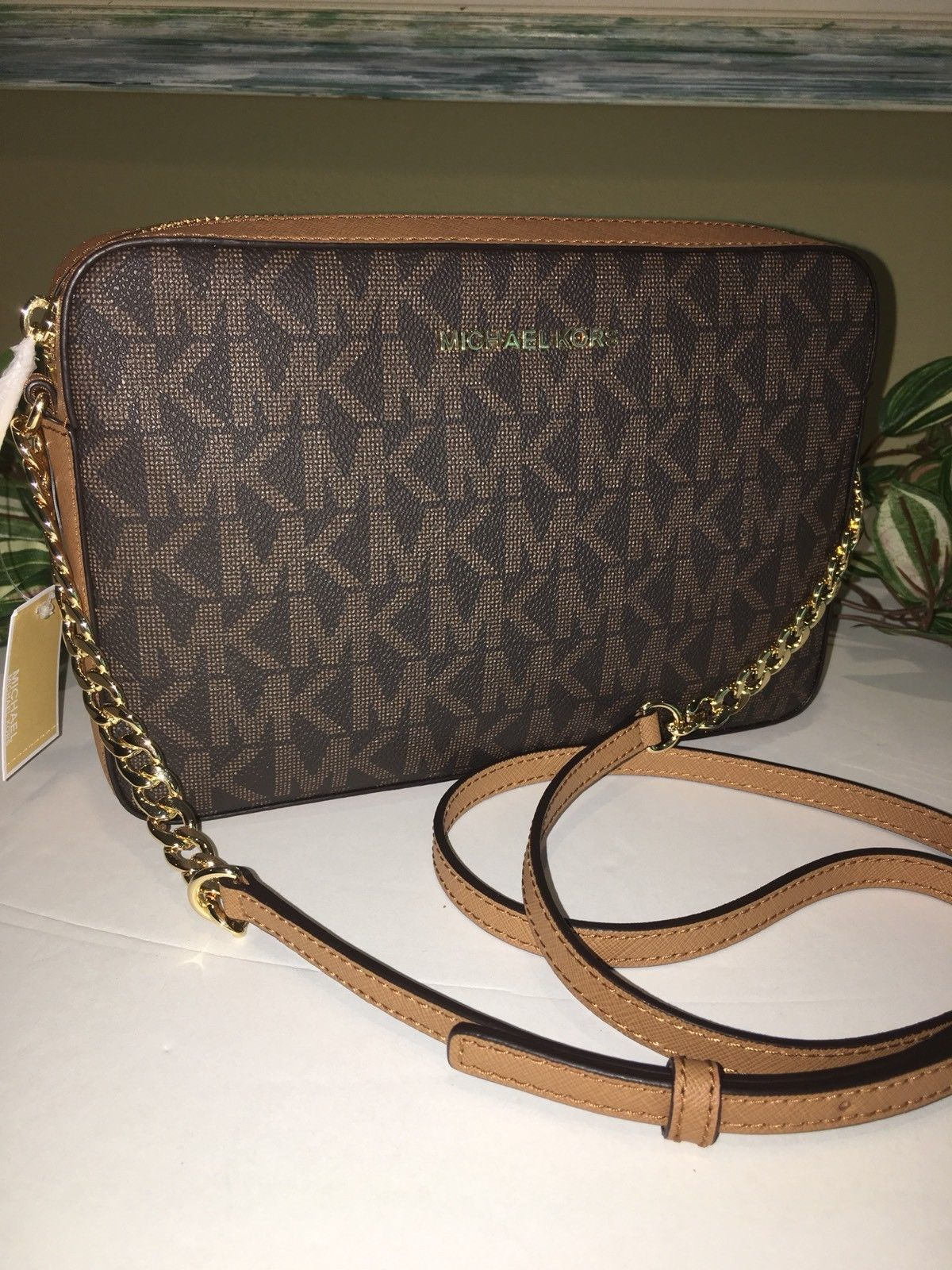 9ffe0966c37e42 S l1600. S l1600. Previous. MICHAEL KORS JET SET LARGE EAST WEST CROSSBODY  BAG WALLET BROWN SIGNATURE $198