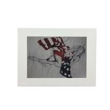 Damen USA Flagge Trudy gut Druck weiß gerahmt Wandbehang 37cm x 47cm x 2cm - $39.62