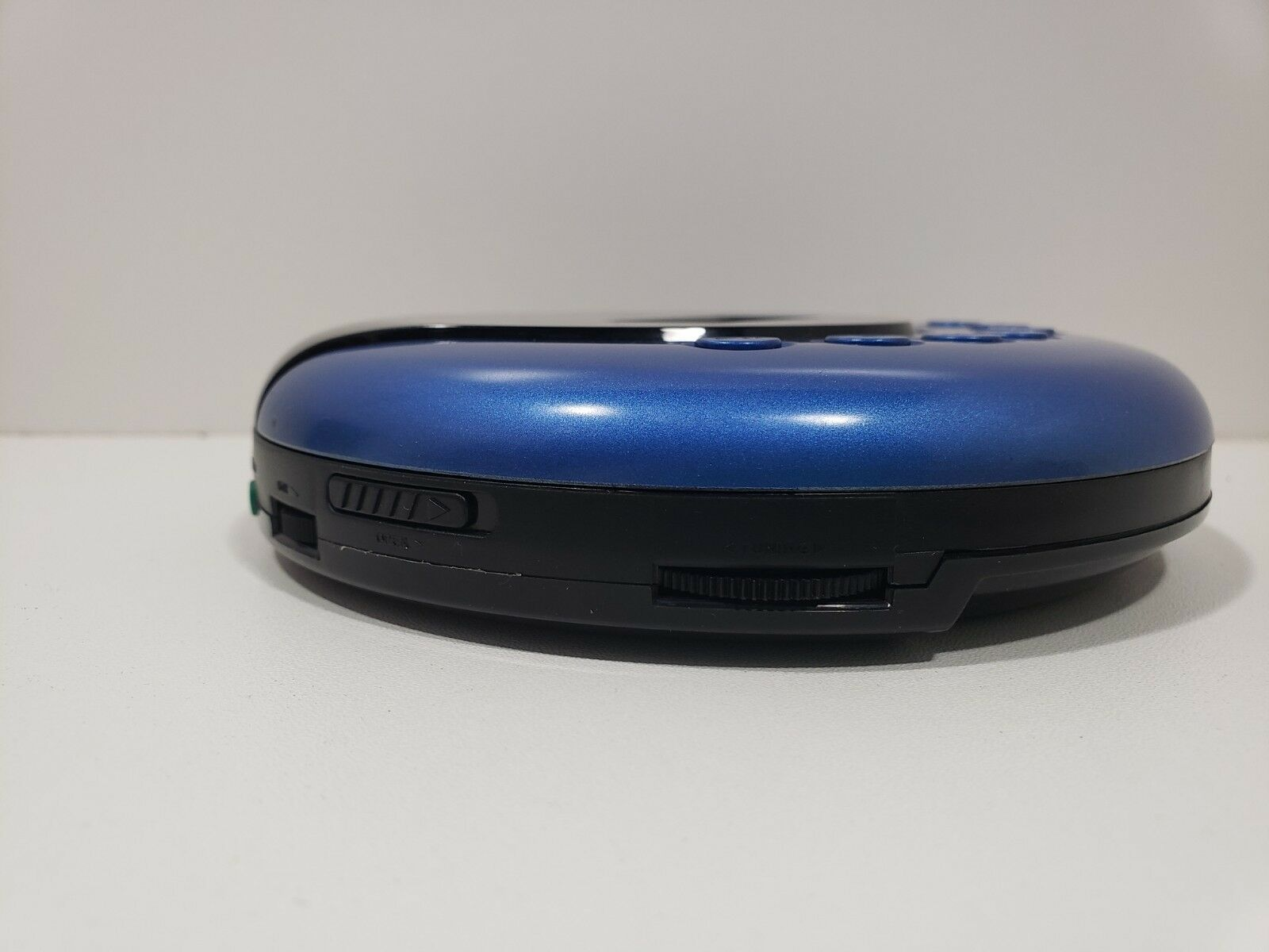 RCA  Portable Compact Disc CD PLAYER w/ LCD Anti-Skip/ FM Stereo image 3