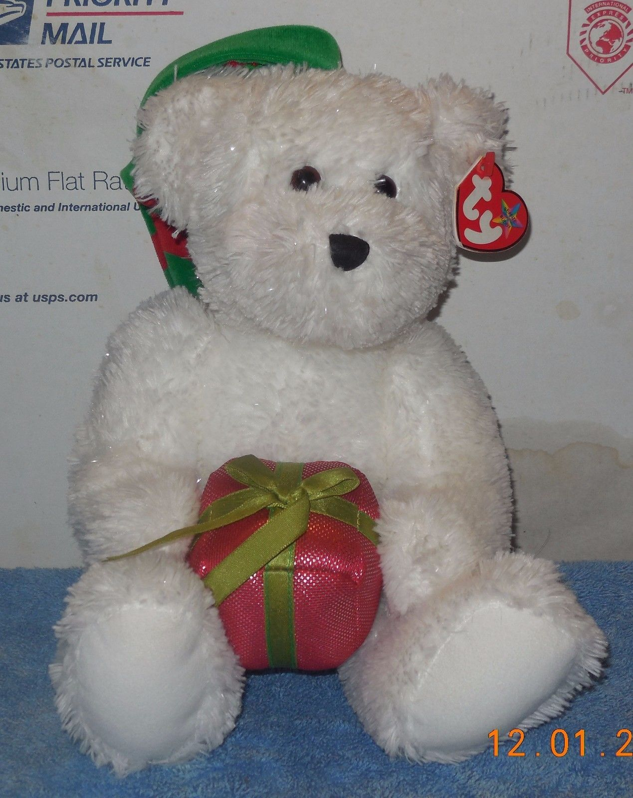 9014592125c 2006 Ty Beanie Buddies GIFT-WRAPPED White and 50 similar items. S l1600