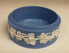 "Vintage Wedgwood Blue Jasper Ware Round Trinket Box England 5"" (bottom only) - $9.69"