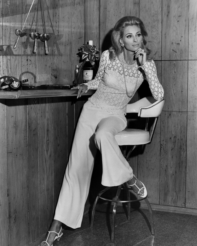 Camilla Sparv full length pose sitting on bar stool 1967 16x20 Canvas Giclee