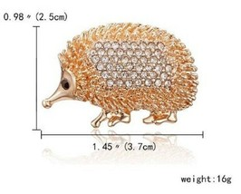 Stunning Diamonte Gold Plated Vintage Look Hedgehog Christmas Brooch Cake PIN C1 - $10.02