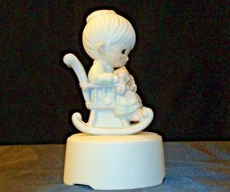 Precious Moments The Purr-fect Grandma Music Box AA-191907 Vintage Collectible image 5