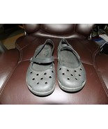 Crocs Black Traditional Mary Jane Shoes Back Strap Size 6 Women's EUC - $20.25