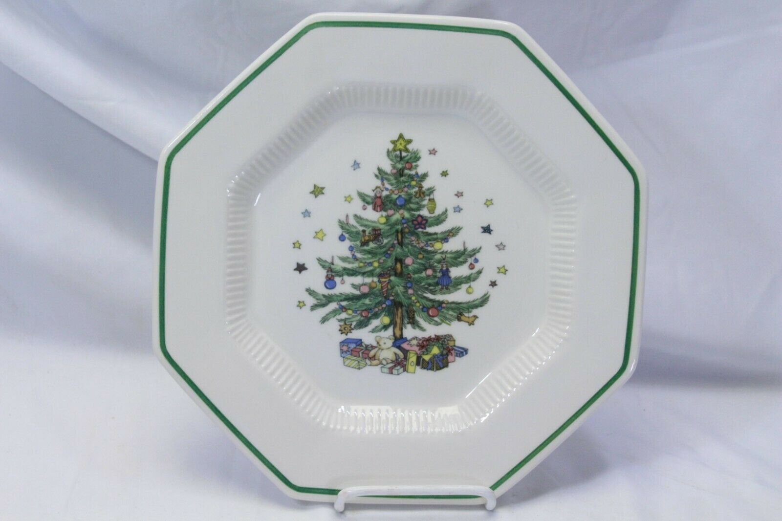 Nikko Christmastime 6 Dinner Plates 4 Salad Plates Lot of 10 image 4