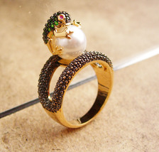 Whimsical rhinestone frog ring - Figural couture - Pearl ring - Size 7 1... - $95.00