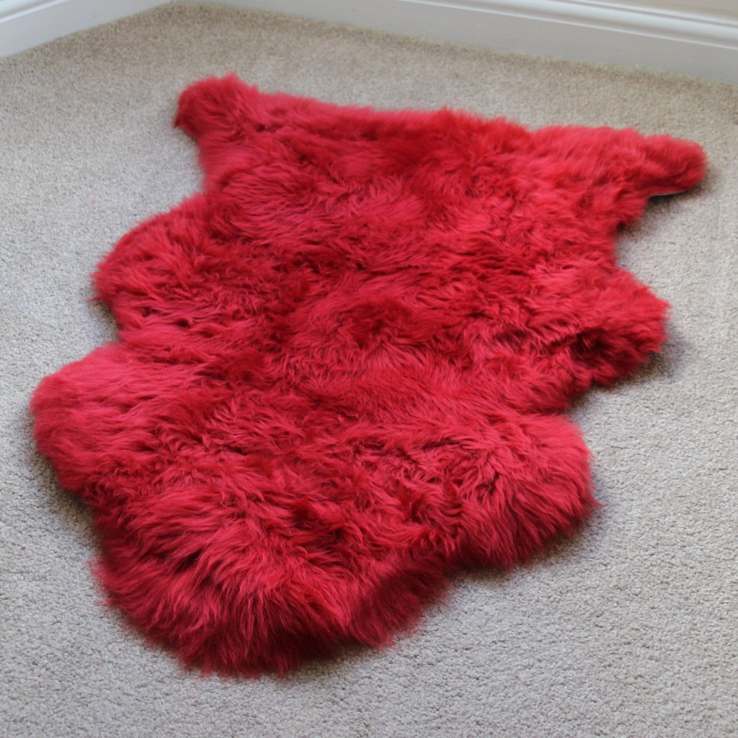Dyed Red Sheepskin Fur Rug Sheepskin Single Pelt Rug Red