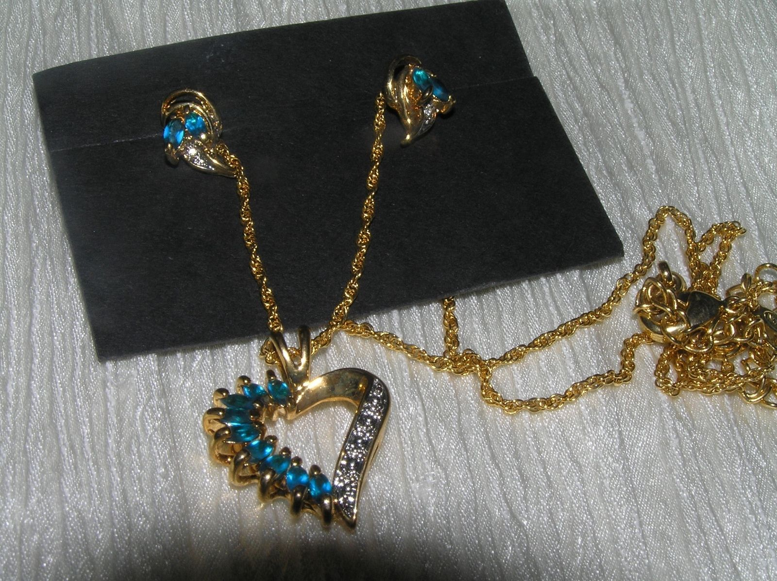Estate Demi Aqua Blue Marquise Rhinestone with Clear Accents Goldtone Open Heart image 2
