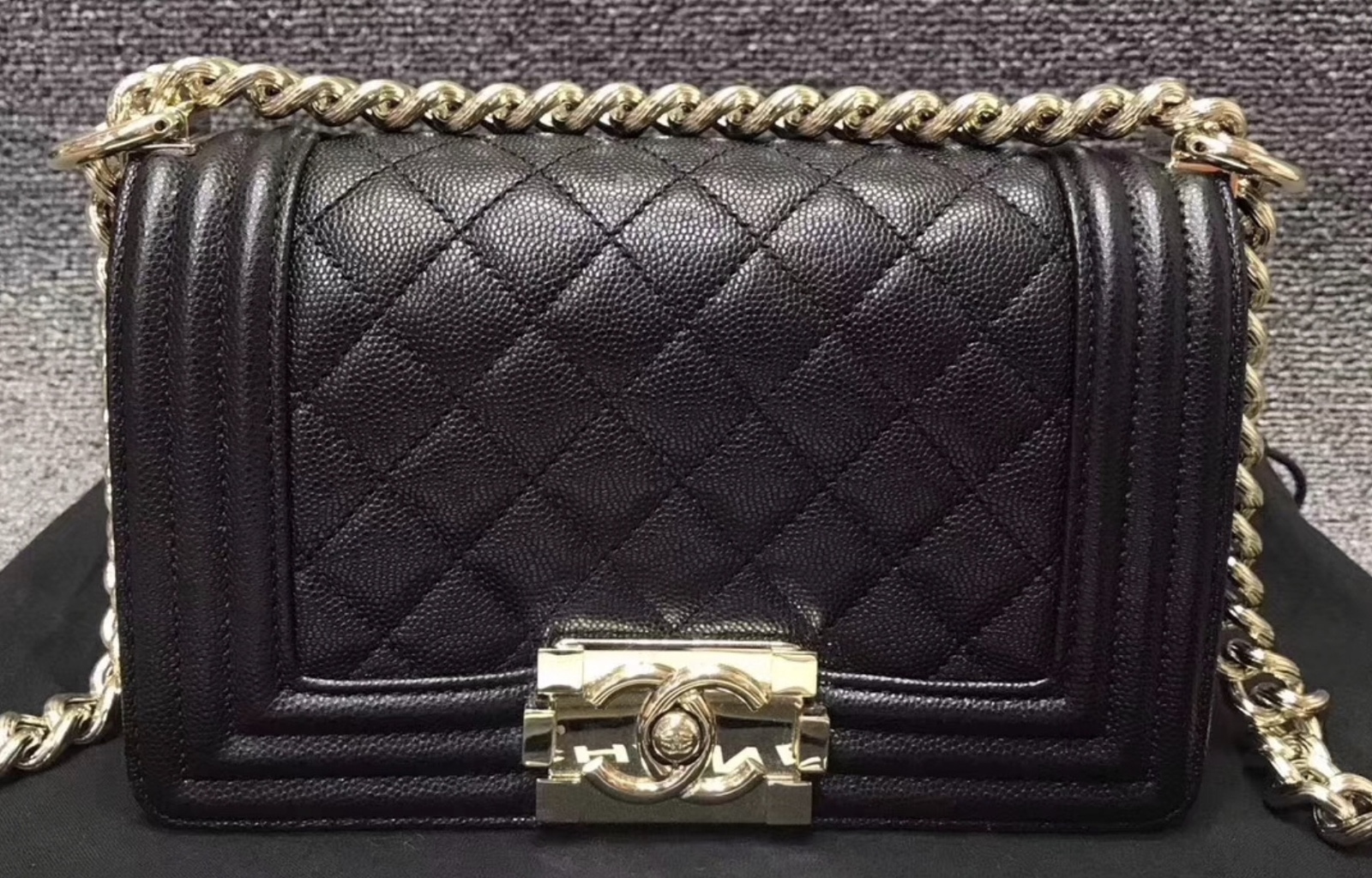 02a48daf81ff NEW 100% AUTHENTIC CHANEL 2017 BLACK QUILTED CAVIAR SMALL BOY FLAP ...