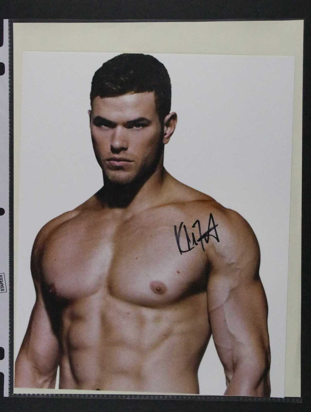 Primary image for Kellan Lutz Signed Autographed Glossy 8x10 Photo