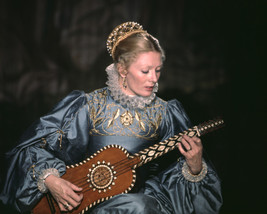 Vanessa Redgrave In Mary, Queen Of Scots As Mary Stuart Playing Mandolin 16X20 C - $69.99