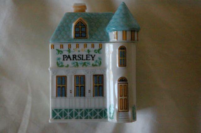 Lenox Spice Village 1989 Parsley Spice Jar In Box - $6.23