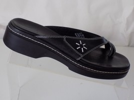 CLARKS LEATHER BLACK SANDALS/FLIP FLOPS WOMENS SIZE 7.5 M - $31.67