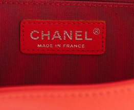 AUTHENTIC NEW CHANEL CORAL RED CHEVRON QUILTED CALFSKIN MEDIUM BOY FLAP BAG RHW image 5