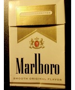 CIGARETTE BOX EMPTY PACK USA MARLBORO GOLD with Maryland tax stamp - $2.80