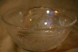 """Anchor Hocking Sandwich Scalloped Serving  Bowl 6 1/4"""" - $8.99"""